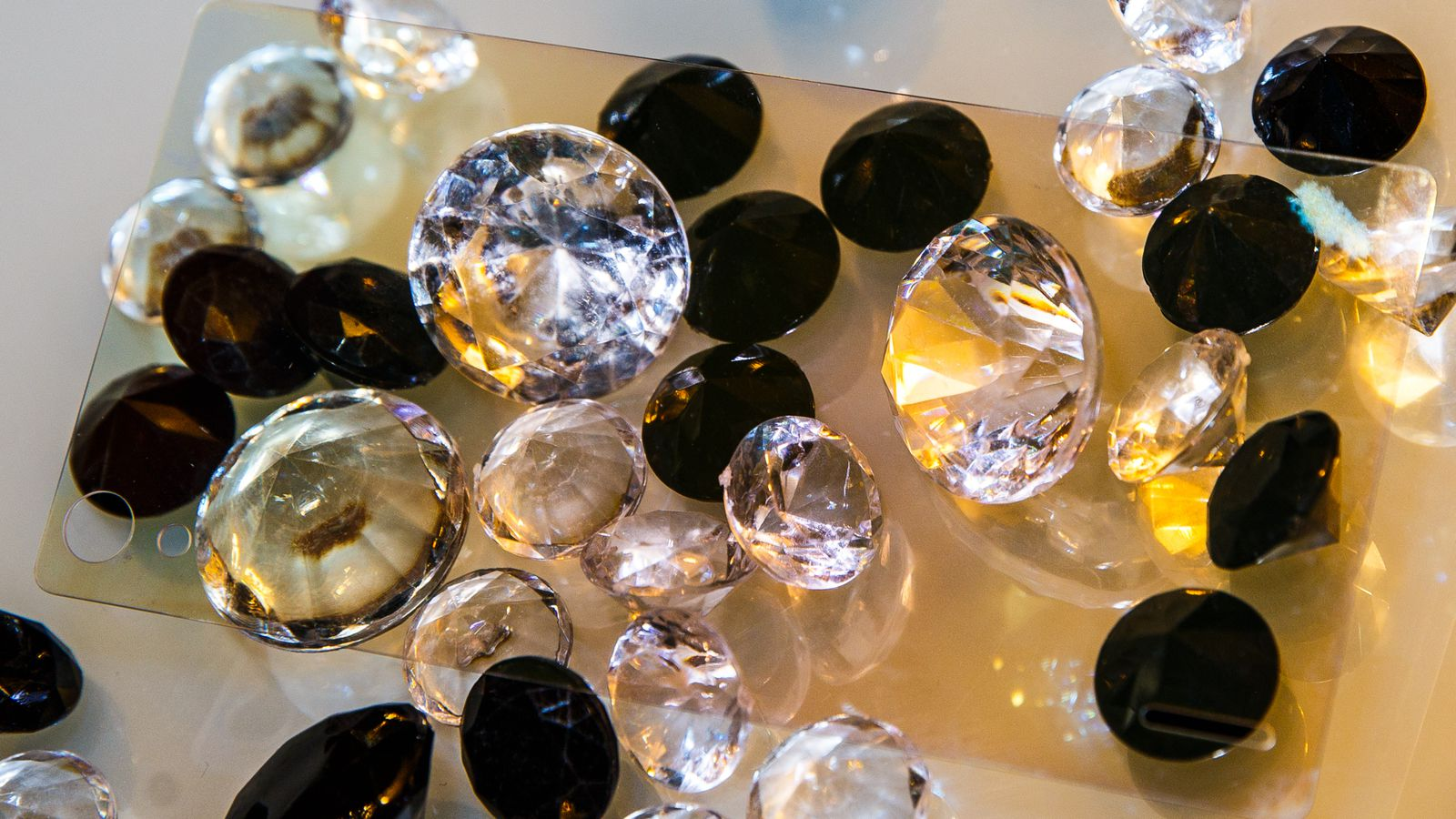 diamond-glass-4289-002.jpg (218.99 Kb)