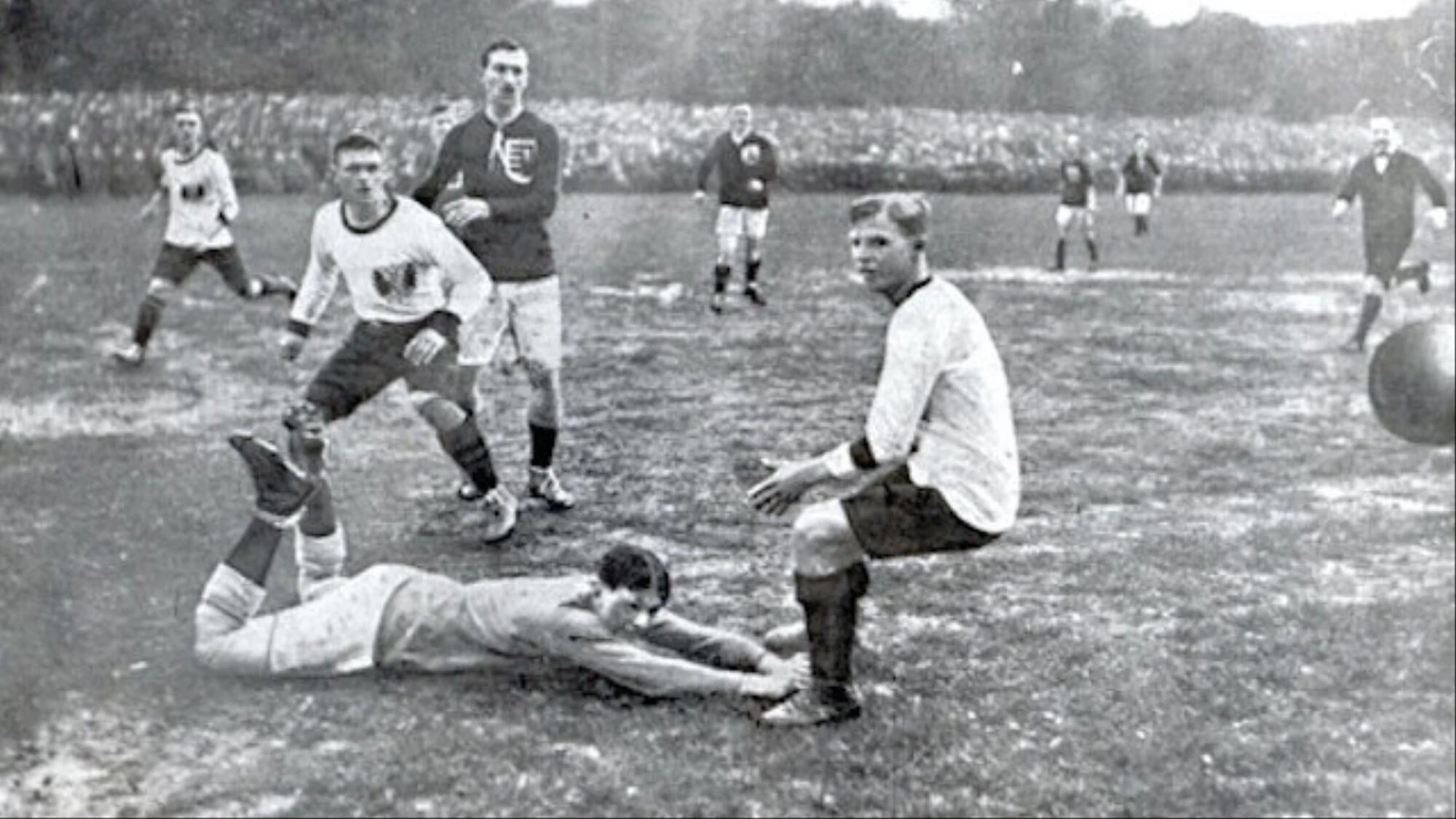 football-austro-hungarian.jpg (271.94 Kb)