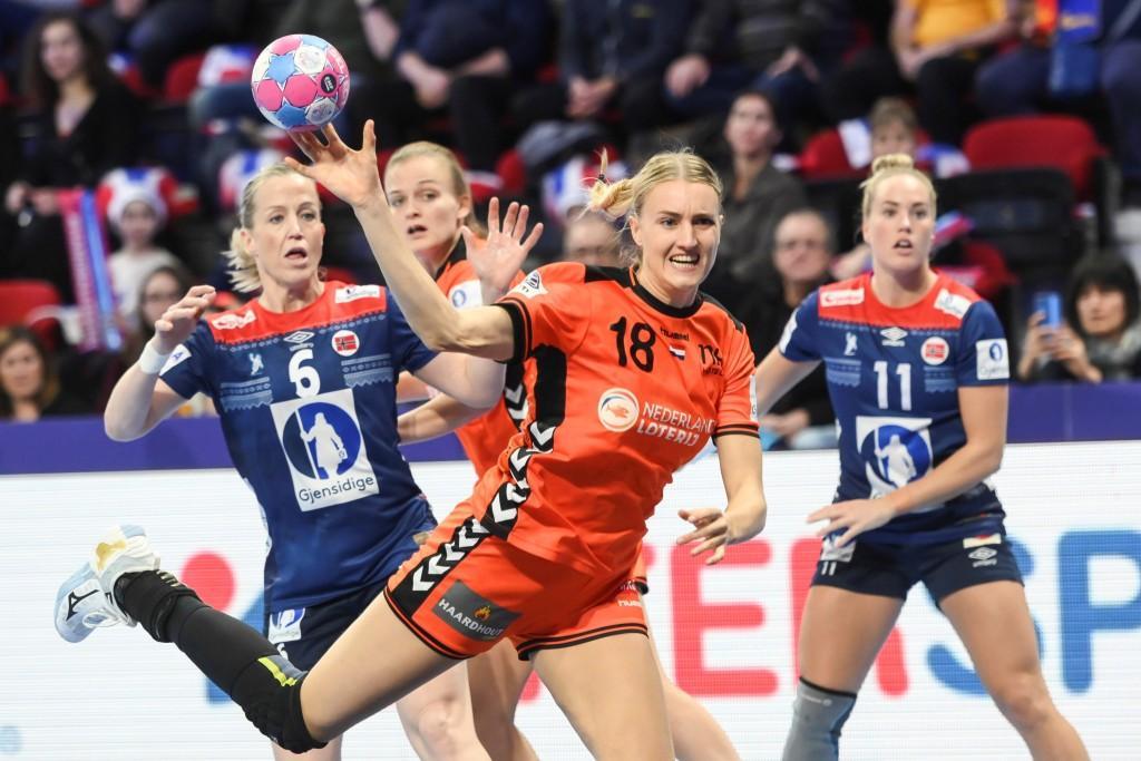 handball22.jpg (96.73 Kb)