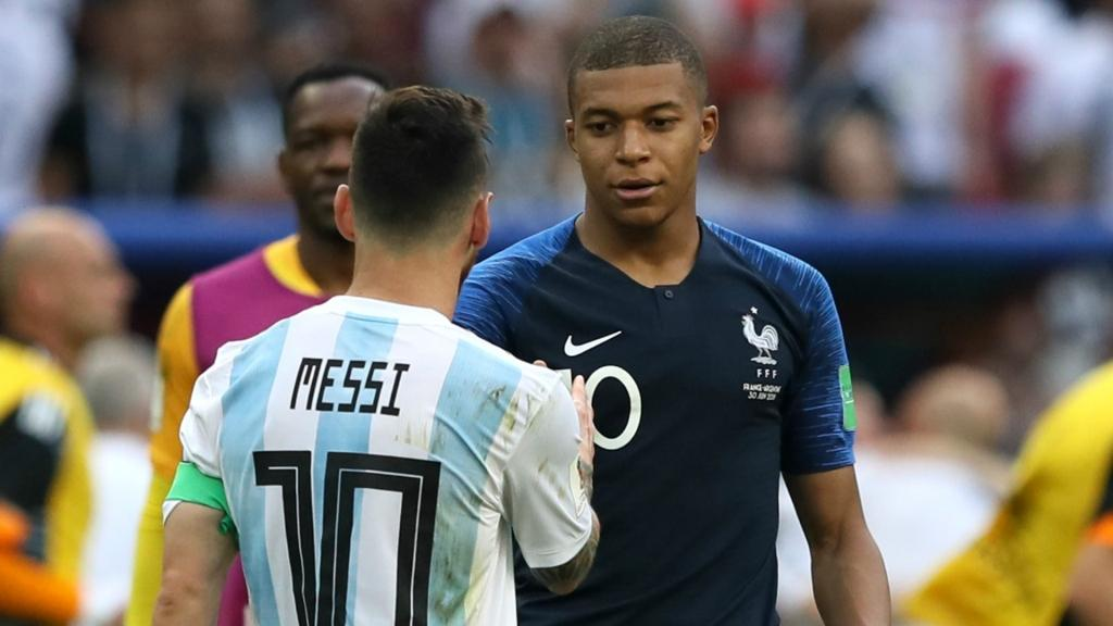 kylian-mbappe-and-lionel-messi.jpg (59.43 Kb)
