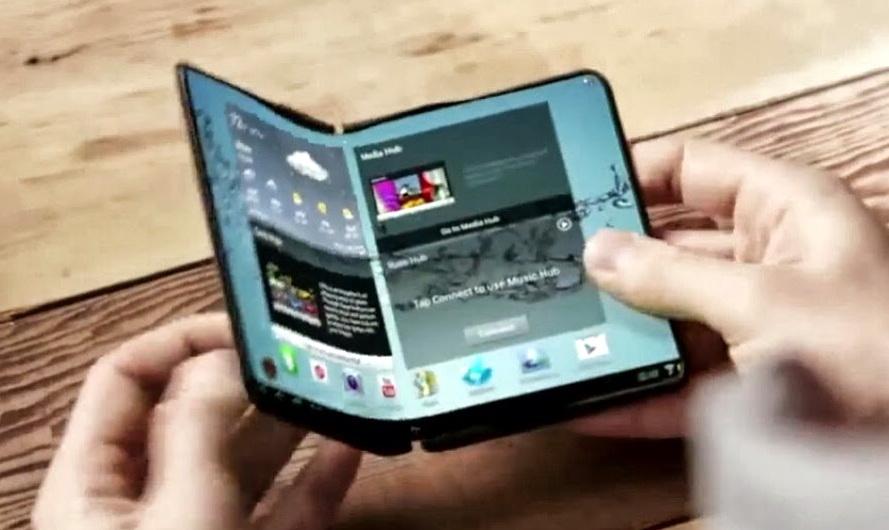 Запатентовано гібридний смартфон, який розкладається у планшет