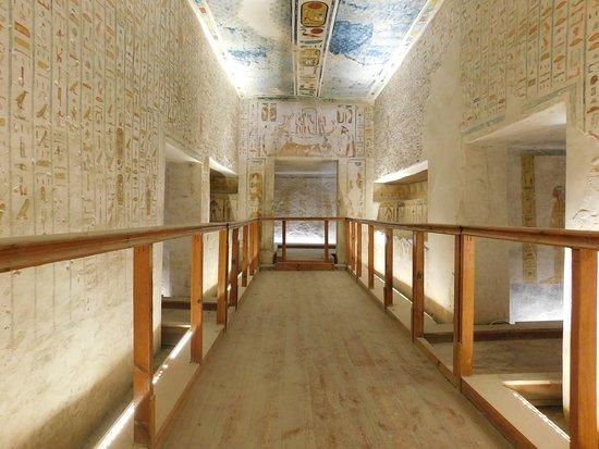 У Єгипті запустили віртуальні подорожі гробницями фараонів та іншими пам'ятками