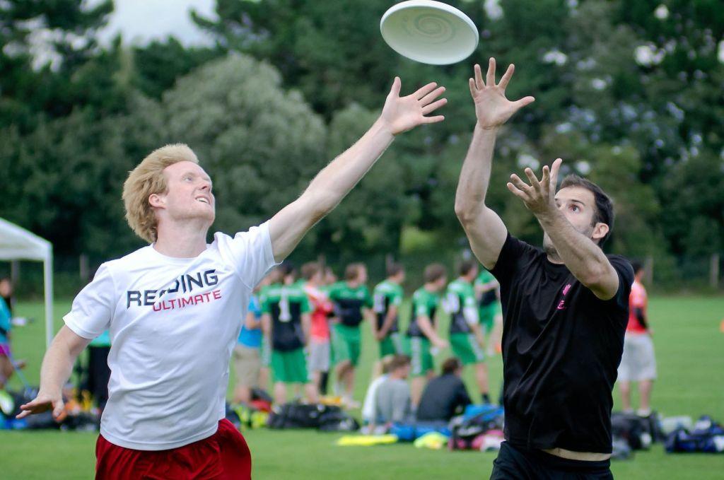 ultimate-frisbee.jpg (84.85 Kb)