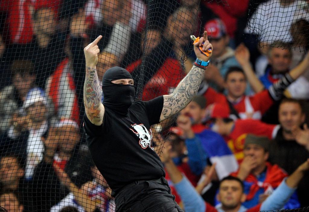 Божевільні вболівальники Сербії