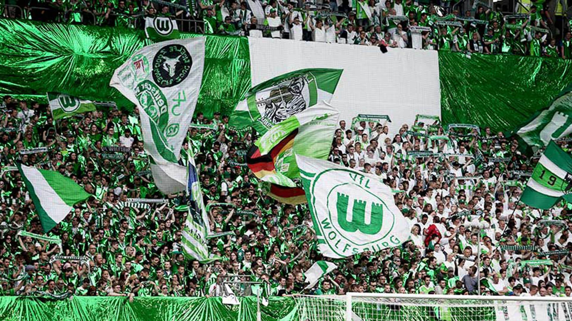 vfl-wolfsburg-fans-im-stadion-1920x1080.jpg (409.41 Kb)