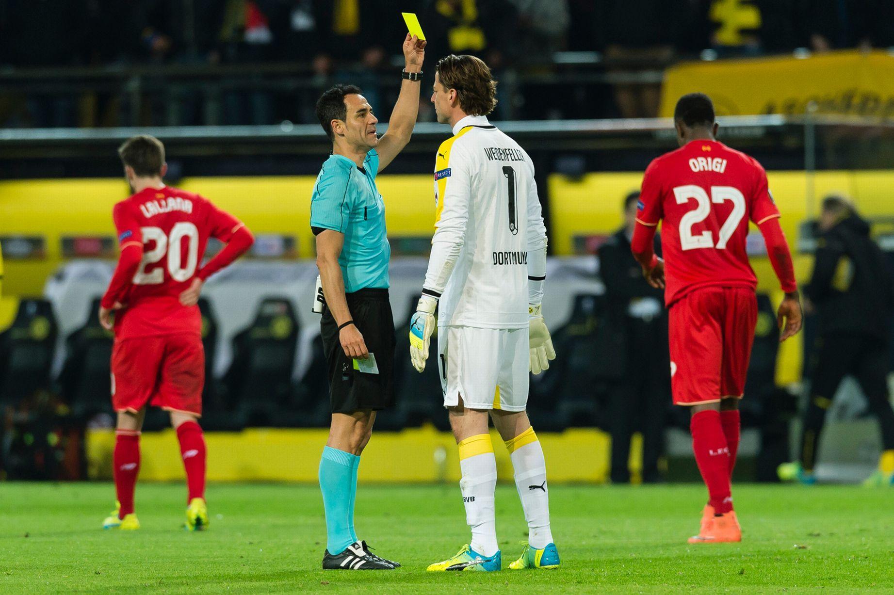 yellow_card.jpg (250.99 Kb)