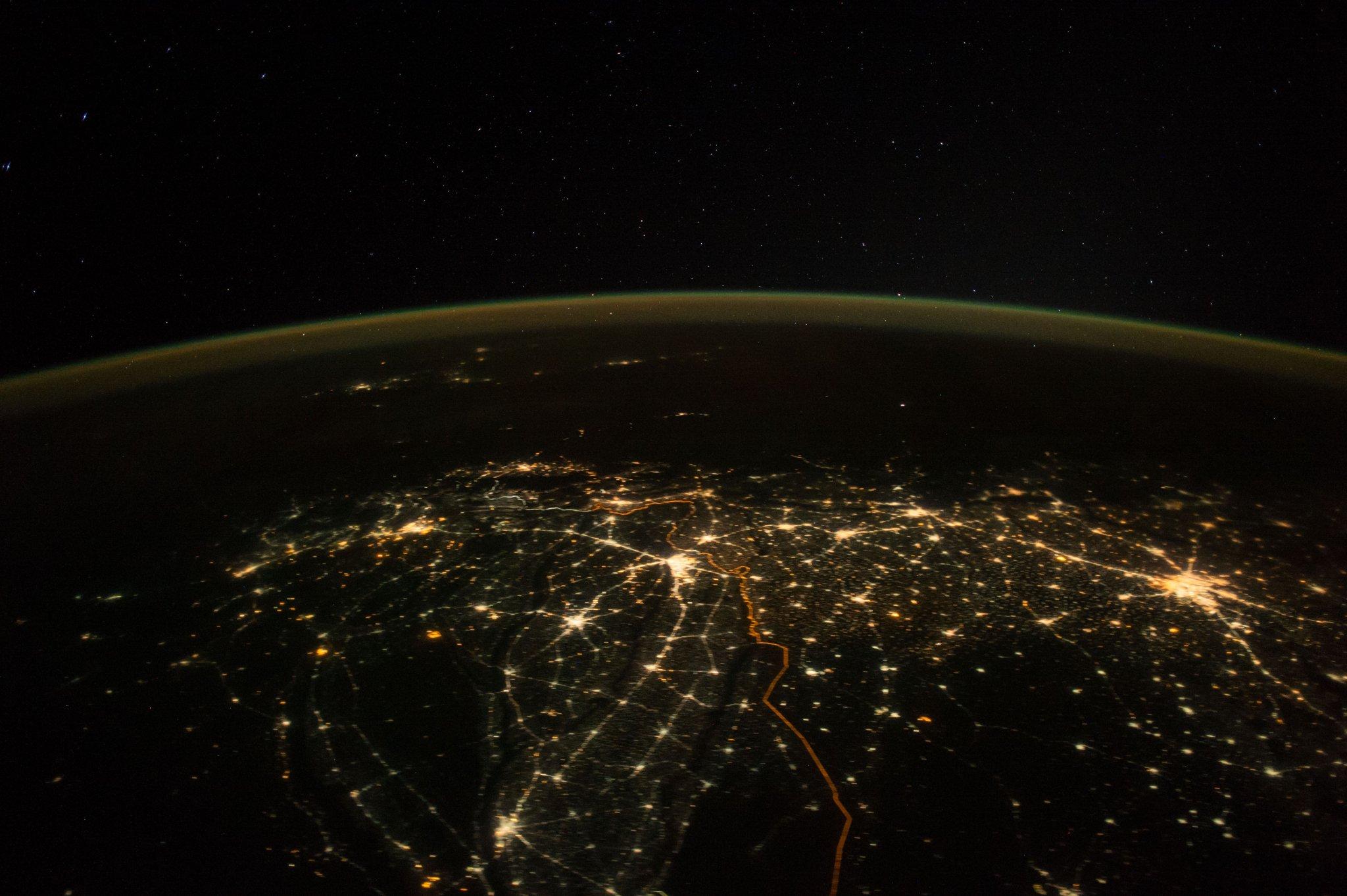 zemlya1.jpg (305.97 Kb)